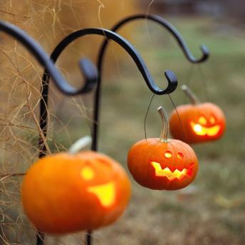 Dýňové lucerny - zdroj: http://bit.ly/17KjZmR