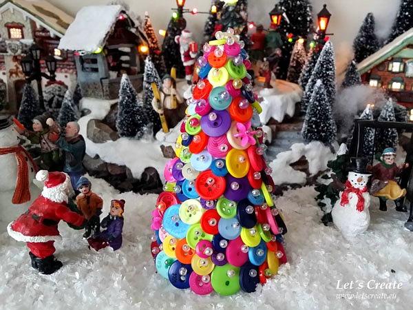 Vánoční stromeček z knoflíčků