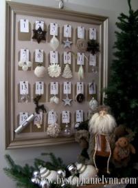 Adventní kalendář v rámu - Zdroj: Bystephanielynn.com